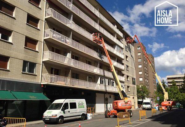 Aislamiento-por-el-exterior-en-bloque-de-viviendas-en-San-Juan-Pamplona
