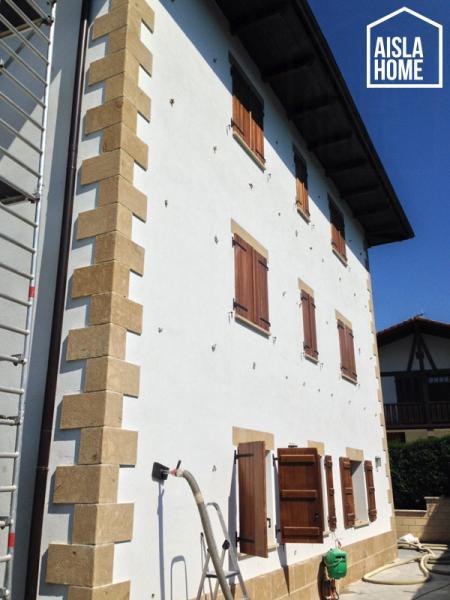 Trabajos de aislamiento de fachada por el exterior en Iraitzoz (Navarra) (2)