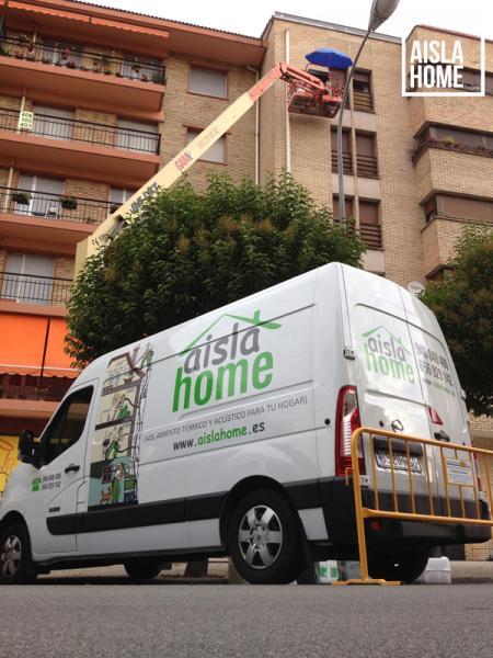 Trabajos-de-aislamiento-de-lana-de-roca-en-Pamplona-Navarra